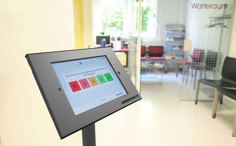 Patientenbefragung mit Tablet-Terminals von opiniooon